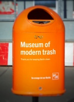 berlin_trash_can_on_museeinsel_282558351121429